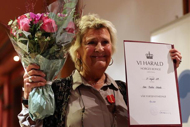 Anne Kristine Schanke med diplom