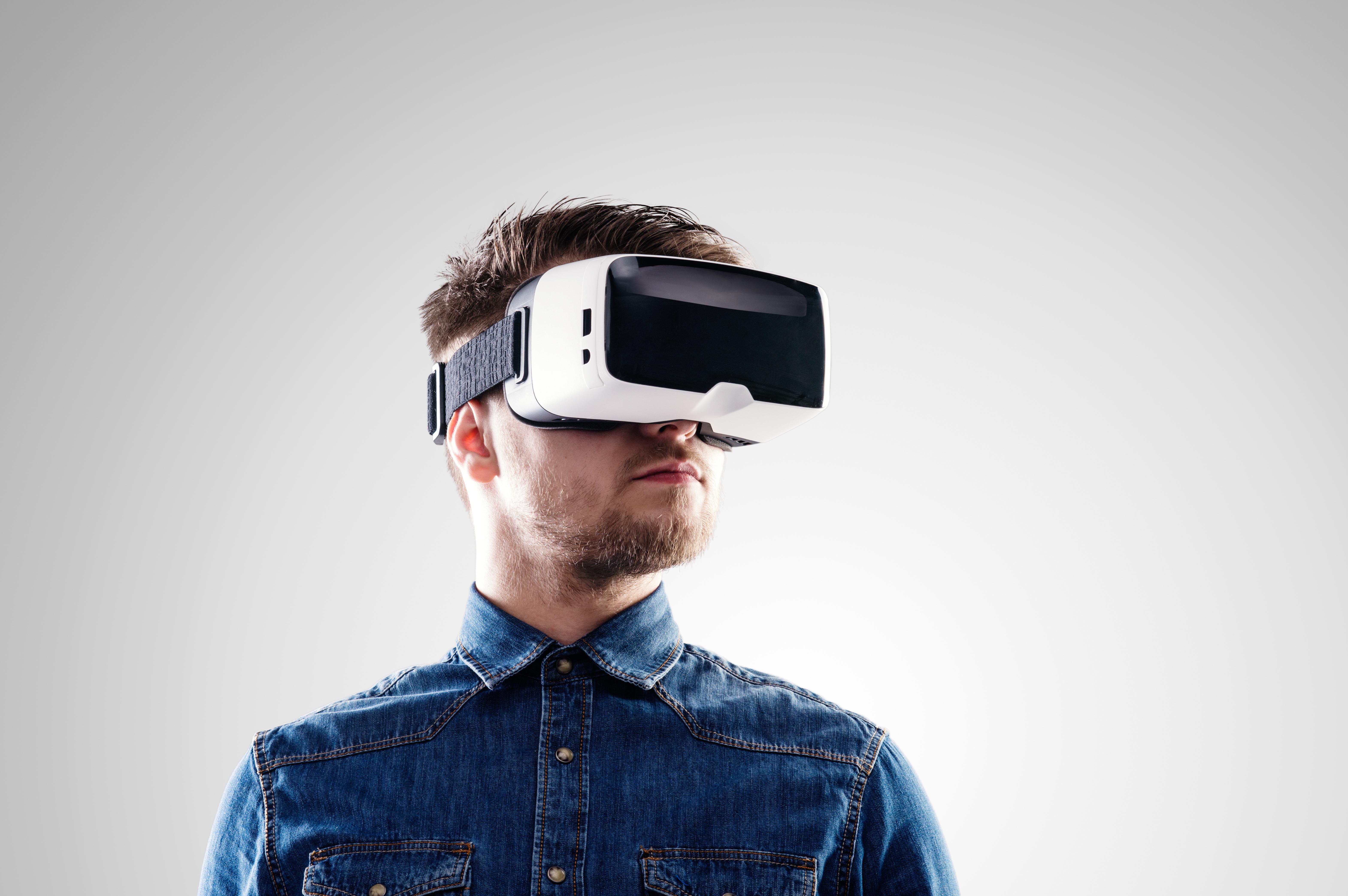 Samhandling i Virtual Reality